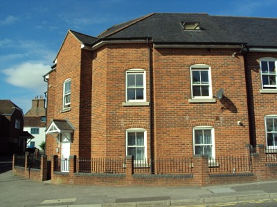 2 Bed Flat - Blandford Forum