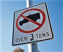 heavy-trucks-prohibited