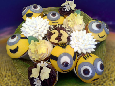 Minion Cupcakes - MAD Cakes Exeter