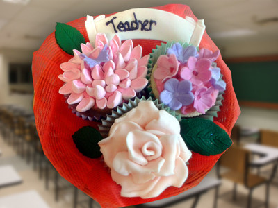 For my teacher - MAD Cakes Exeter