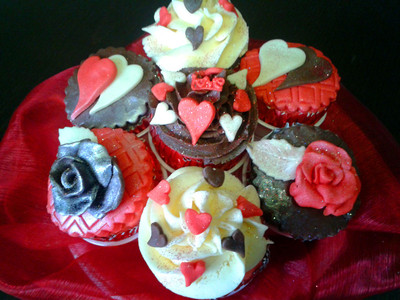 I love you cupcakes - MAD Cakes Exeter