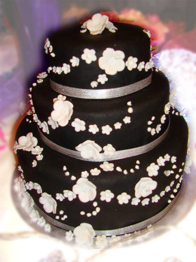 Black and White Wedding Cake - MAD Cakes Exeter