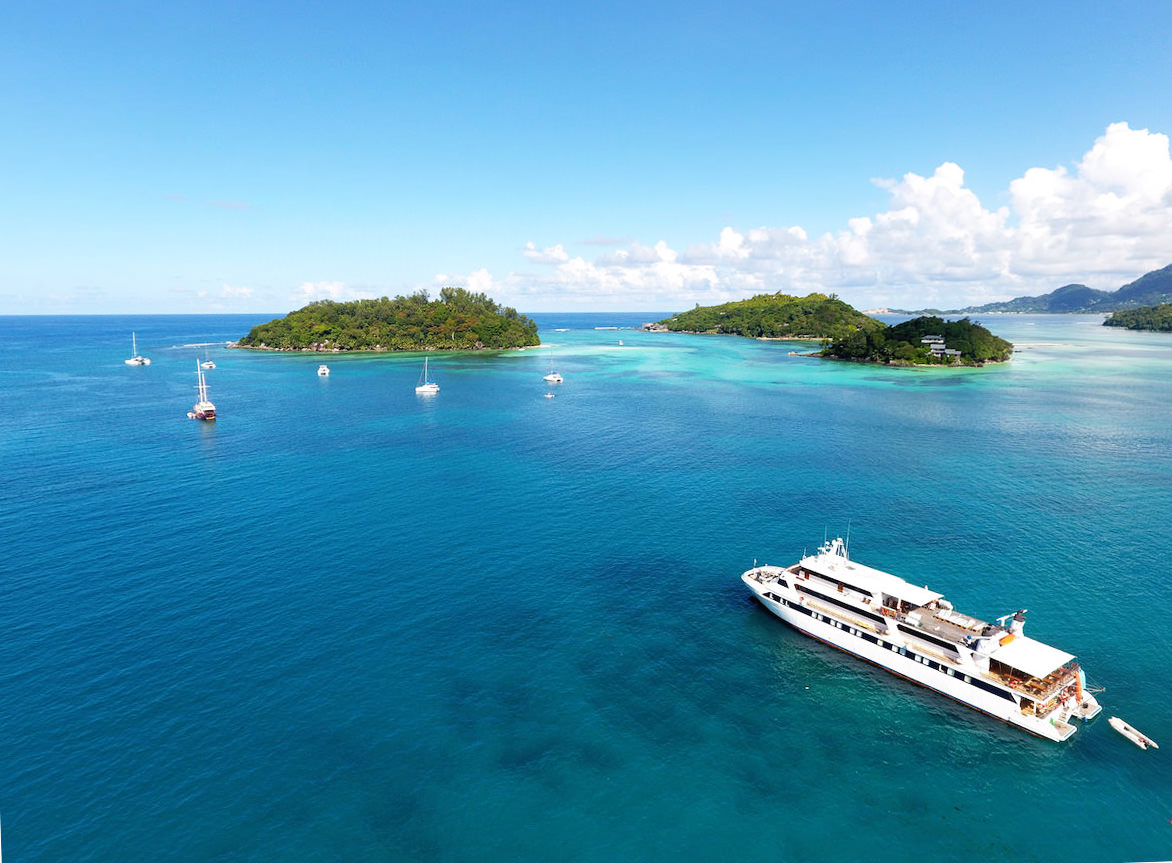 PRIVATE PLAN YACHT CRUISE SEYCHELLES