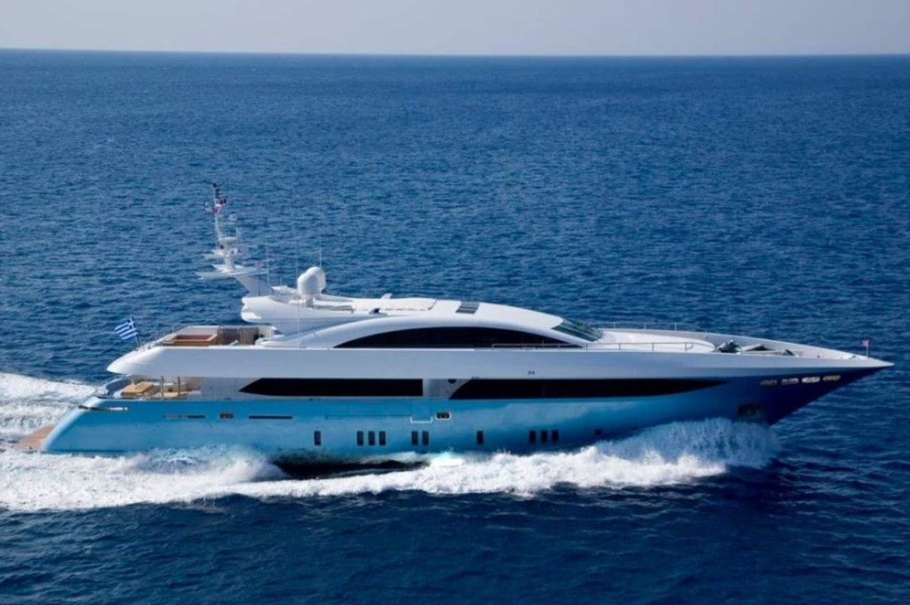 PRIVATE PLAN Mondomarine Barents Sea yacht charter