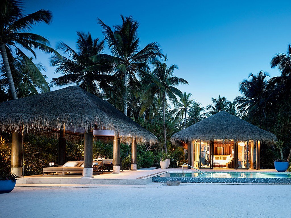 PRIVATE PLAN Maldives villa rent