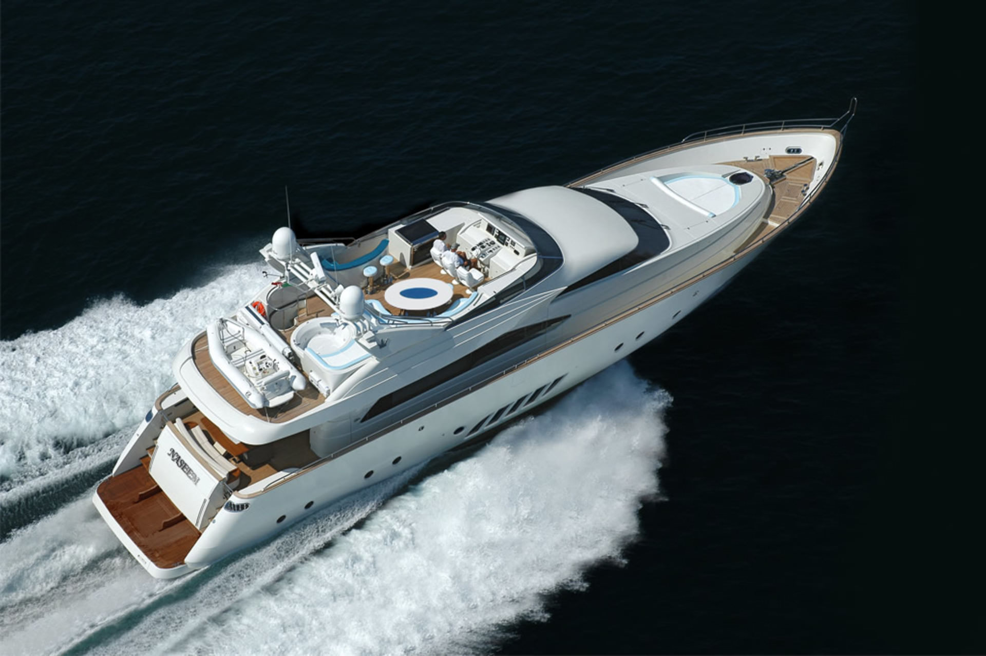 PRIVATE PLAN Dominator 860 yacht charter