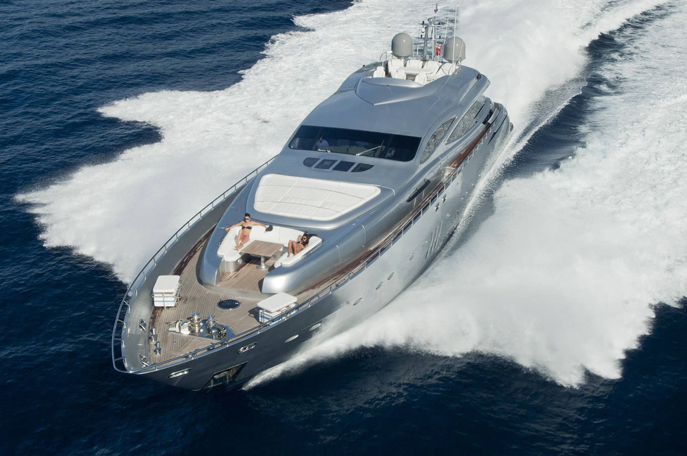 PRIVATE PLAN Pershing 115 Mistral 55 yacht charter