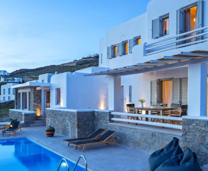 PRIVATE PLAN Mykonos villa rent