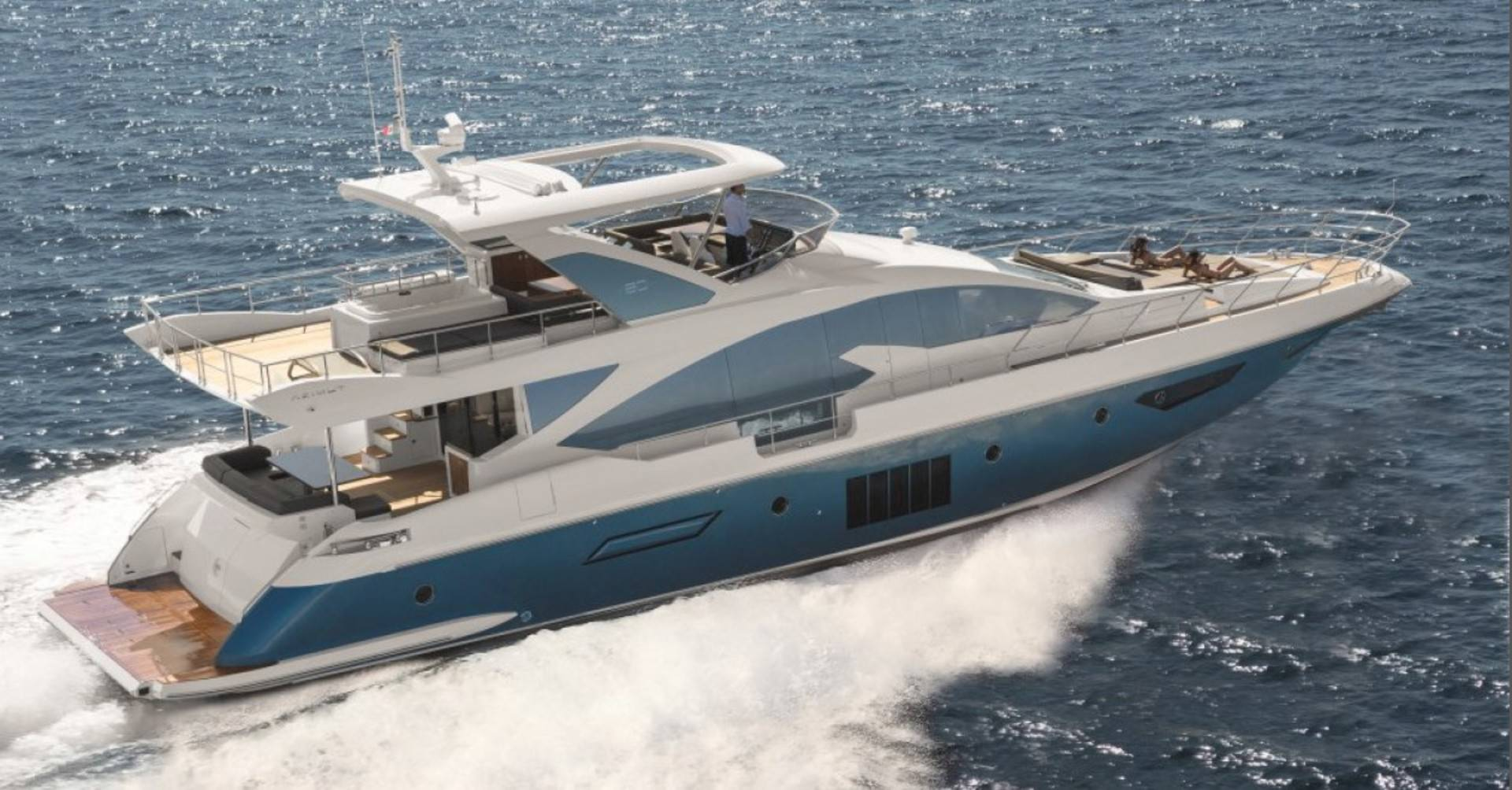 PRIVATE PLAN Azimut 80 yacht charter