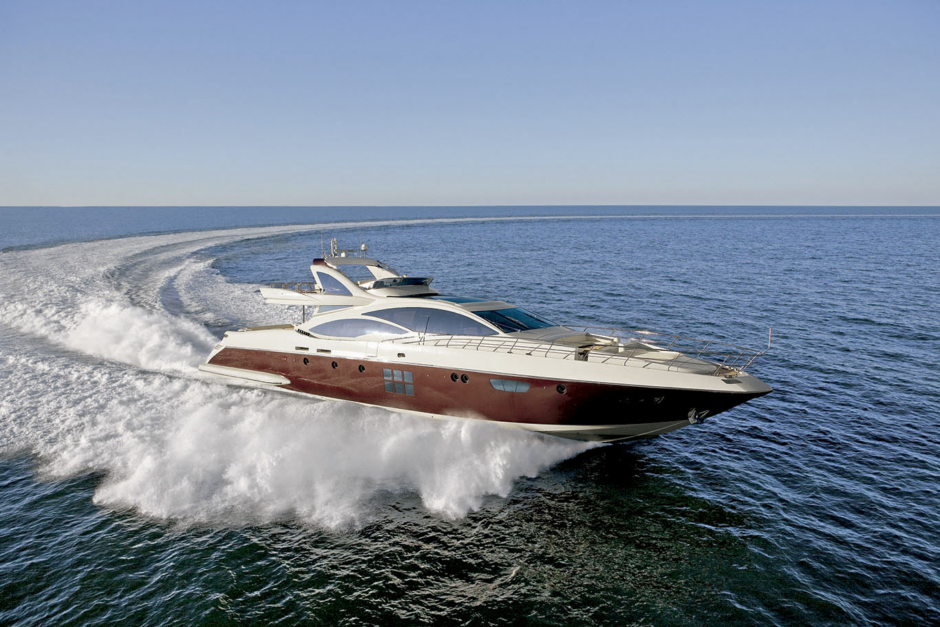 PRIVATE PLAN Azimut Duke yacht charter